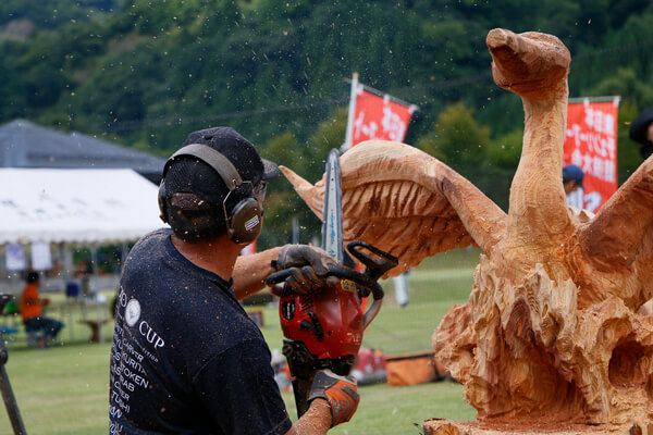 East Japan Chainsaw Art Competition